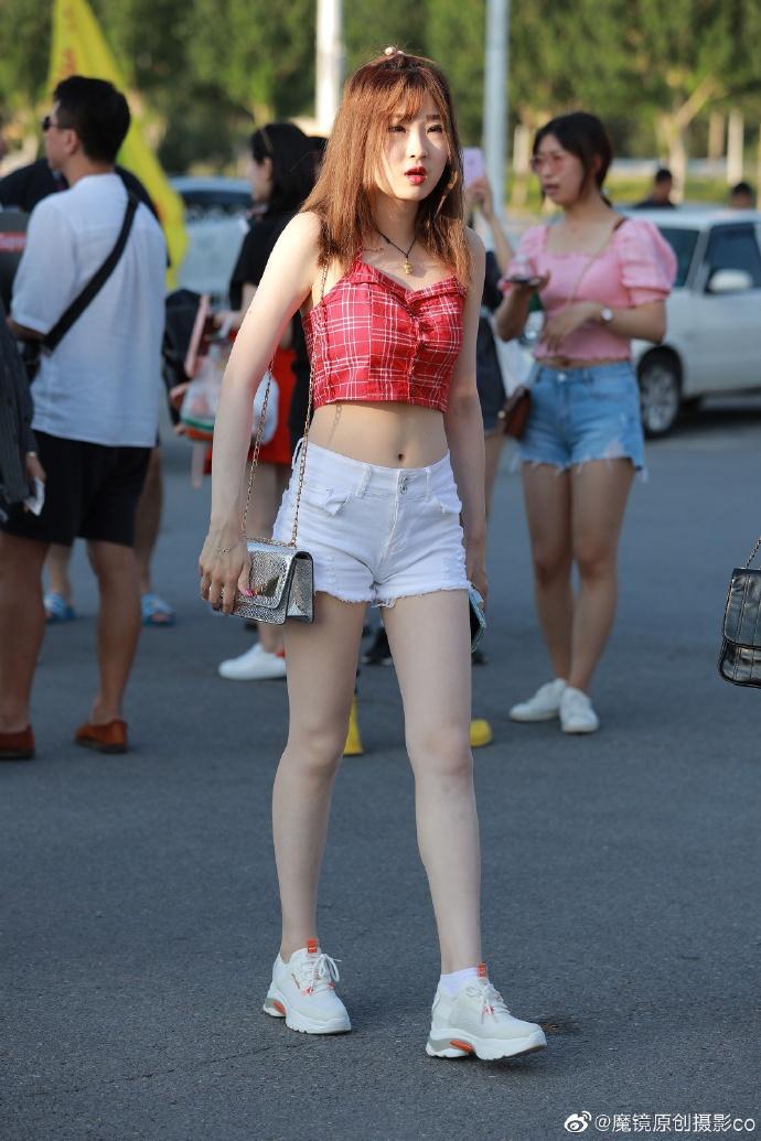 白皙图片秀大长腿美女写真唯美美女图片