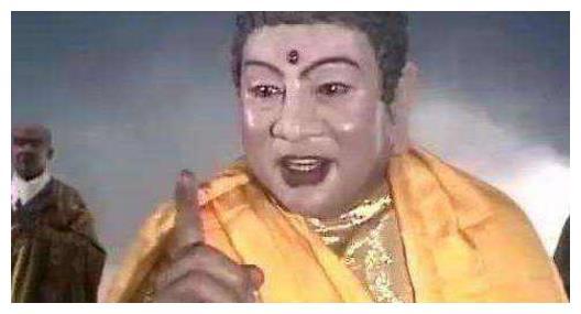 他是如来佛祖的扮演者,去泰国买佛像,却发现上面画的是自己