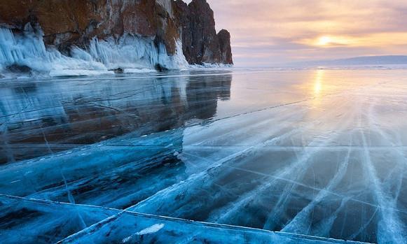"""美到窒息!绝美蓝冰,""""西伯利亚的蓝眼睛""""——贝加尔湖!"""