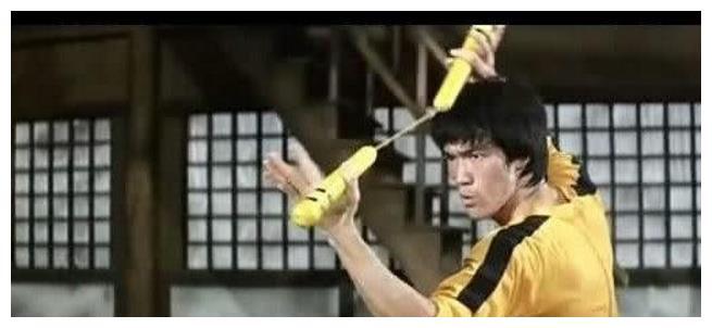 李连杰被问跟李小龙打架谁厉害?他的回答堪称宗师级别,令人敬佩