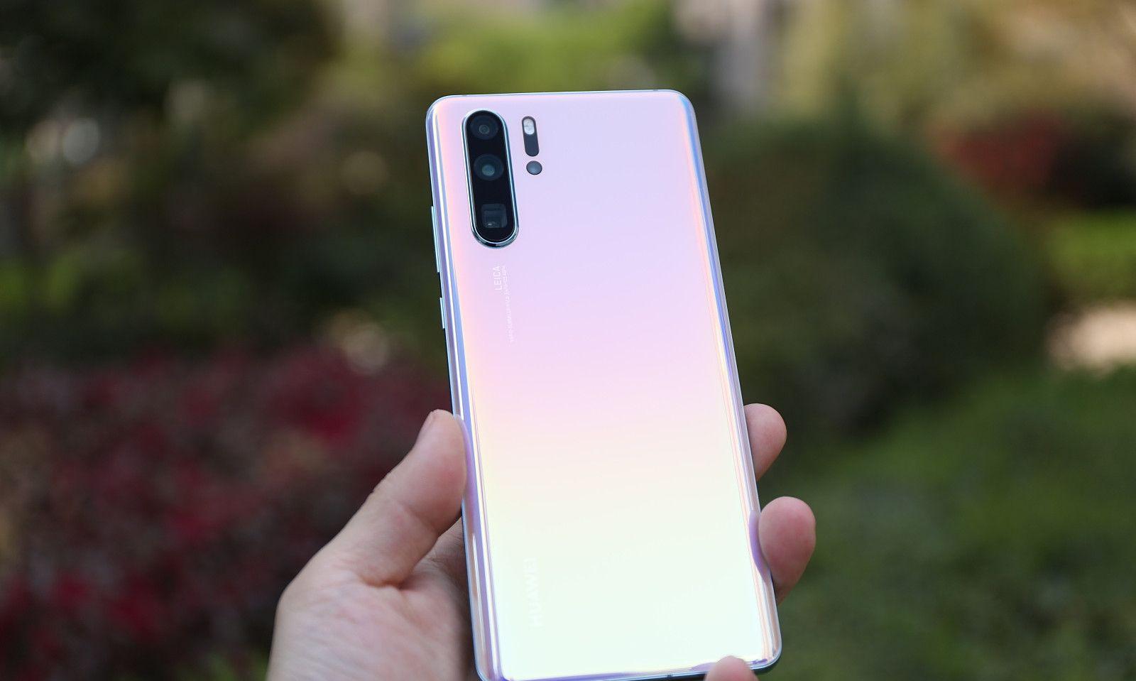 外媒评出2019年最佳智能手机:华为小米各一款上榜,最后一款是它
