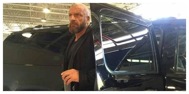 WWE巨星最贵座驾分别是啥?巨石强森的价位最高,HHH的最炫酷