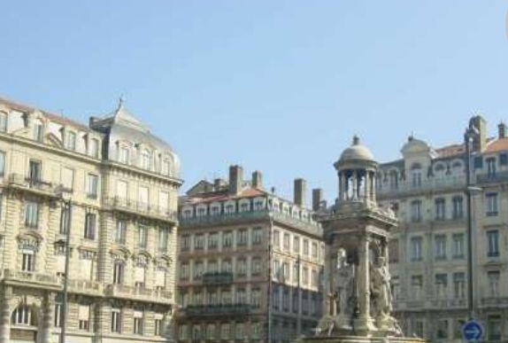 雅各宾广场——里昂历史最悠久的广场之一
