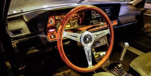 一台承载回忆老车,一种文艺与情怀的结合--桑塔纳旅行版