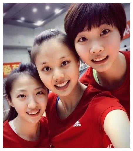 中国女排玩起新套路!袁心玥进步明显,她的未来充满了无限可能!