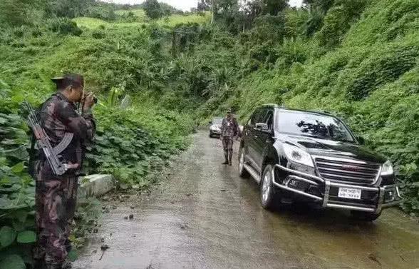又一国产车为国争光!孟加拉大批采购当军车,士兵们强势围观