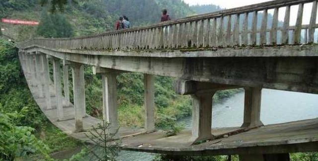 """全世界最""""奇葩""""的桥,中国设计建造,外国人看了都觉得不可思议"""