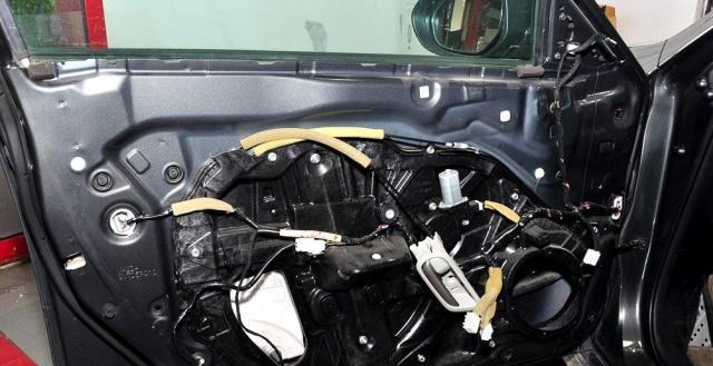 细节之间的较量,拆开马自达睿翼和现代索纳塔的车门,半斤对八两