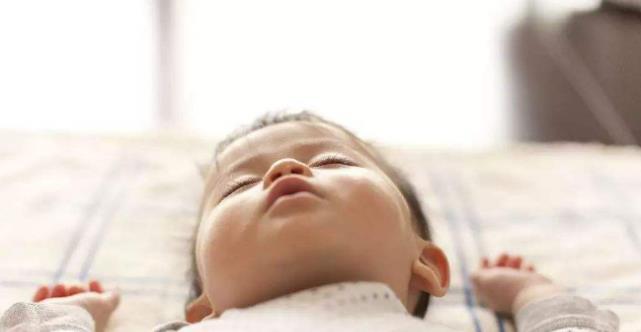 婴儿的磨牙,除了胃里的寄生虫,也可能是由于这四个原因。