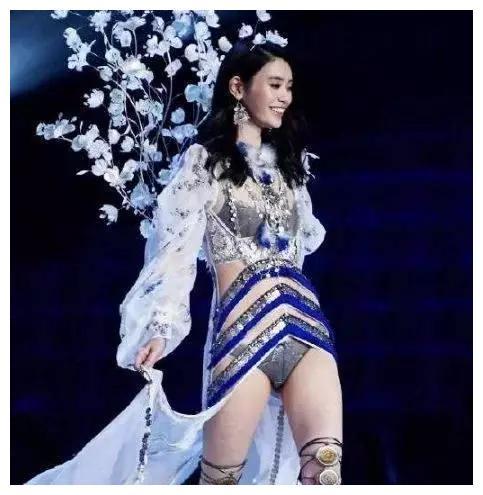 奚梦瑶和千亿赌王之子在谈恋爱这维密模特当不当又有何妨呢