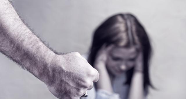 男子酒后家暴酿祸端 打伤妻子再被拘