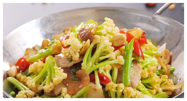 明星伙食有多壕?贾静雯和霍思燕家吃的花菜,差距不是一般大!