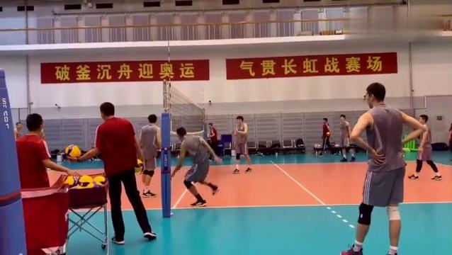 中国男排本周六启程前往上海,12月份将有四场热身赛