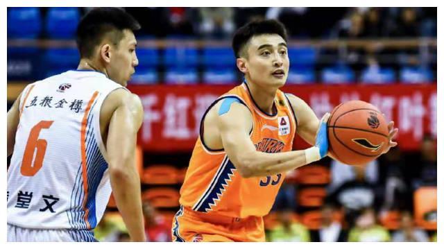 张松涛终于回归CBA联赛,12分钟砍3分,北京首钢放弃他是对的