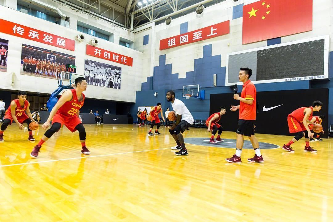NBA球星来中国指导国家队!姚明亲自欢迎他!