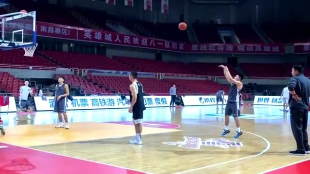 军运会男子篮球比赛即将开战,主教练王治郅称要打出血性