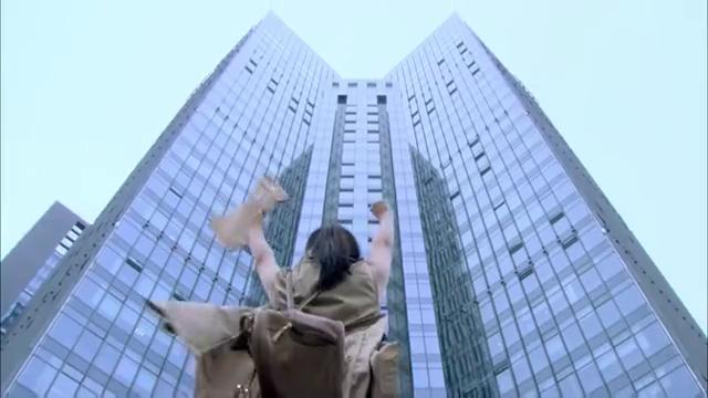 灰姑娘上班第一天,太胖了 电梯超重被赶出来,尴尬