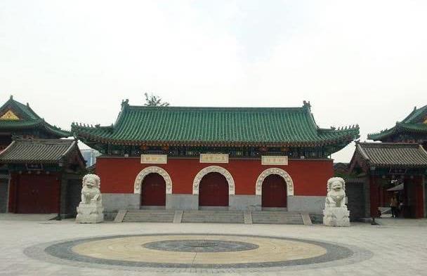 天津最大的寺院,曾是清代的造币厂,藏于闹市少有人知