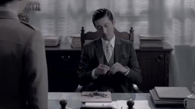 麻雀:毕忠良让手下去陈深办公室,看他公文包,怎料竟被美女发现
