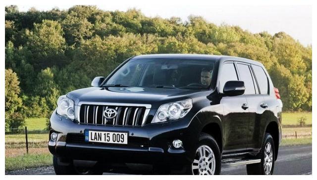 棋逢对手的两辆硬派SUV,普拉多对探险者,孰是英雄?