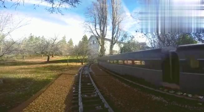 枯藤小树列车南太平洋GS5蒸汽机车奋力疾驰,竟只是个模型