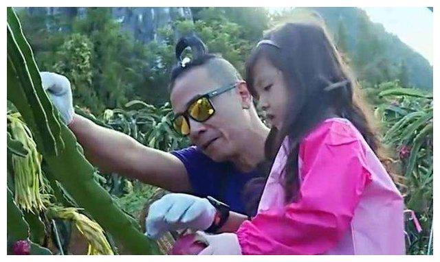 女儿控刘畊宏就在网上晒了小泡芙,让人心都要融化的小天使