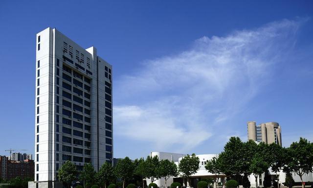 河南这所大学,就业竞争力全省第一,过半学生就业500强等大企业