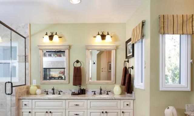 只要浴室柜选的好,卫生间小也没什么大不了,生活从此没烦恼