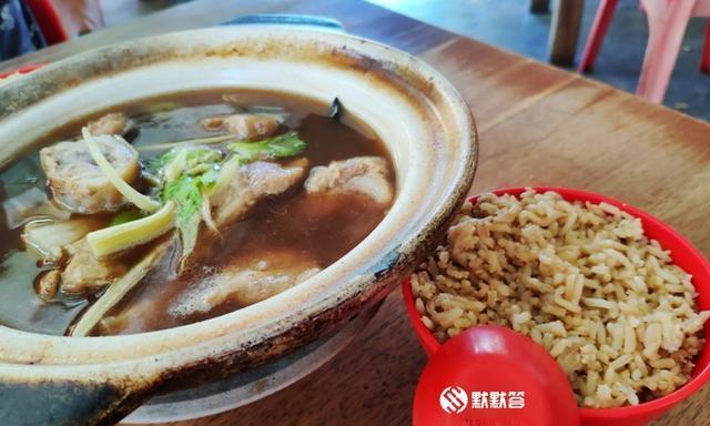 在马六甲吃肉骨茶要配芋头饭,只有当地人知道的「潮州肉骨茶」