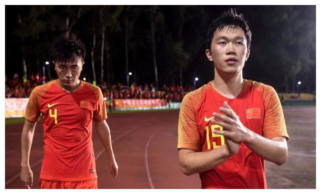苏宁易购队三位国脚抵达南京 17日归队训练备战联赛