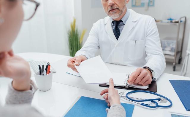 关注两会:这类医师执业范围或将扩大
