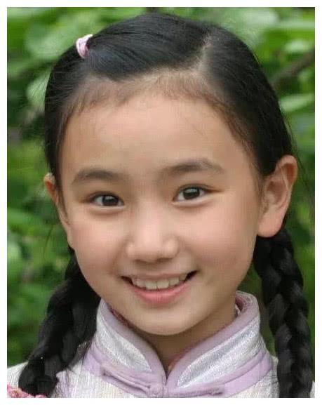 她是林妙可闺蜜,7岁出道、633分考进清华,24岁美成小仙女