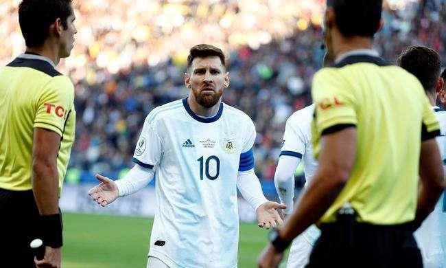 听说献祭一个阿根廷足协主席,换梅西罚酒三杯?