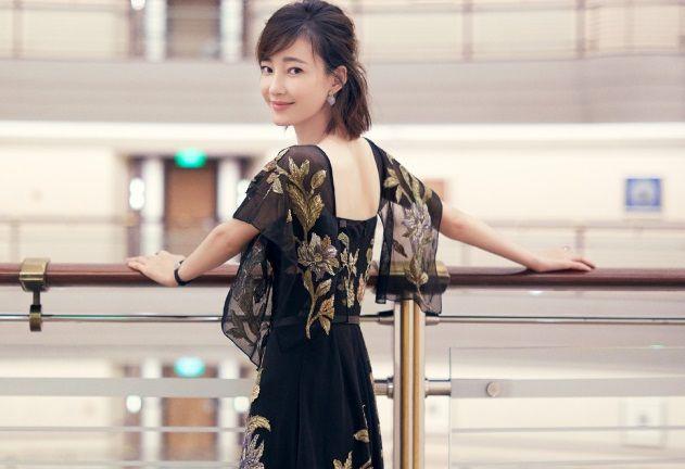 王丽坤:花容月貌,时尚潮流,大概就是如此吧!