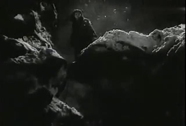 《白毛女》精彩片段:太可怜了,喜儿最终被逼成这样,令人痛心!