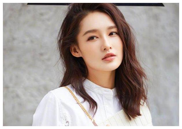 娱乐圈没整过容,还很美的5位女明星!赵丽颖排第2