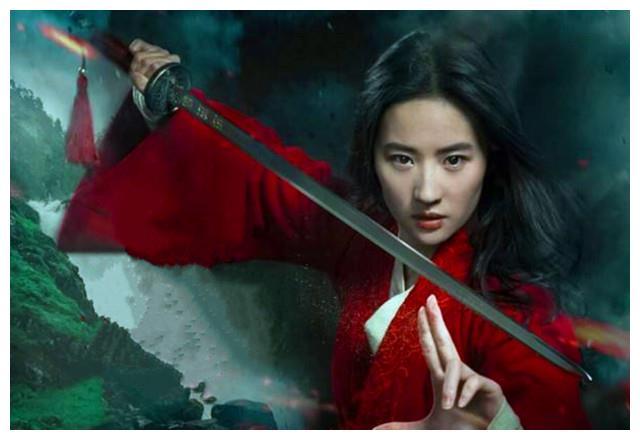 刘亦菲版的花木兰英姿飒爽,但中国电影里第一位女扮男装的是她