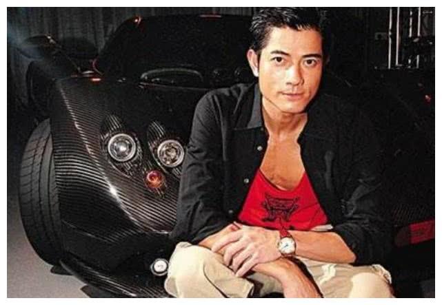 郭富城的帕加尼,家里车位已经停满,郭天王把它停在哪?