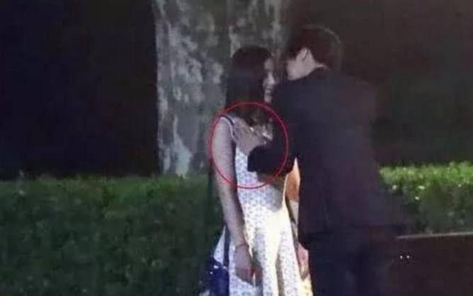 让人脸红的穿帮镜,刘诗诗与陈伟霆吻戏很尴尬,最后一张扎心了!