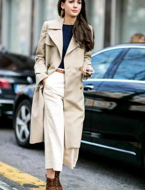 成熟女性!选择服饰,试试这3中材质的衣服,优雅又自信
