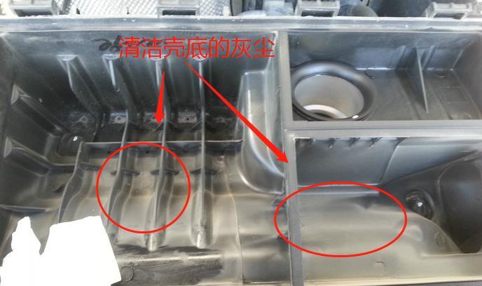 速腾汽车空调滤芯更换是在机盖下面呀