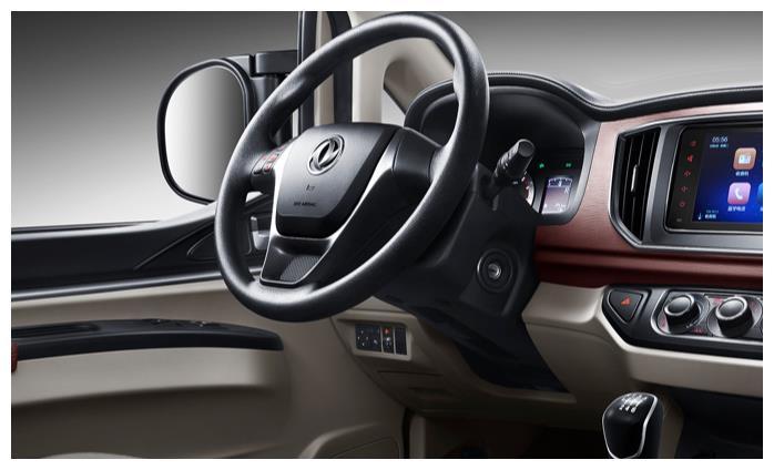 国产MPV不必只看五菱,这款车搭载2.0L+6挡手动,轴距2米8