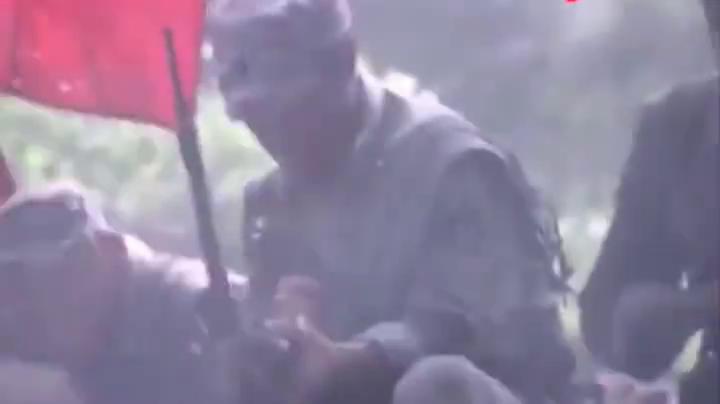 只剩最后一颗子弹,战士拿起枪,一枪击毙鬼子指挥官!