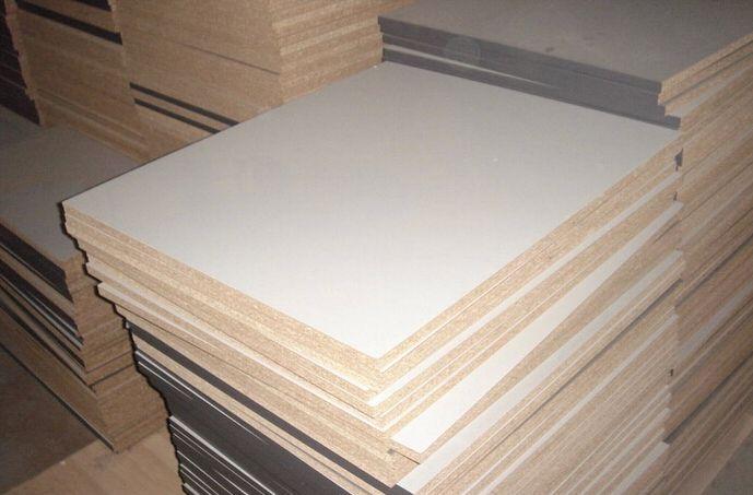 中国十大板材品牌精材艺匠:衣柜定制用多层板而不用颗粒板?