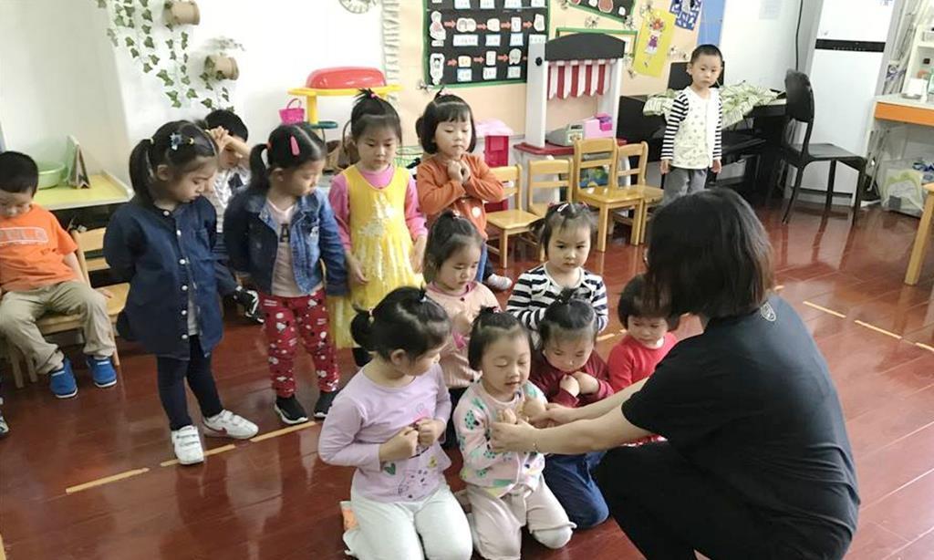 幼儿园小班孩子适合参加六一表演吗?老师累孩子病,值得么?