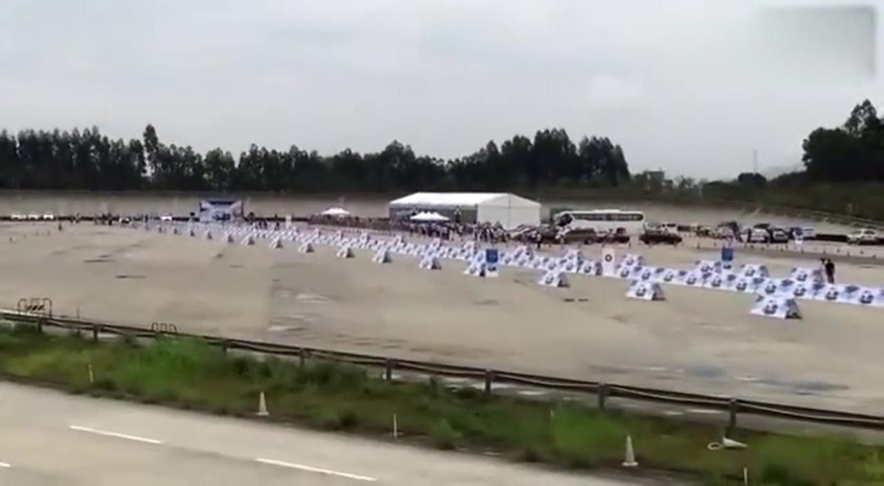 视频:百米加速 比亚迪唐VS奥迪A8 奥迪直接被秒!