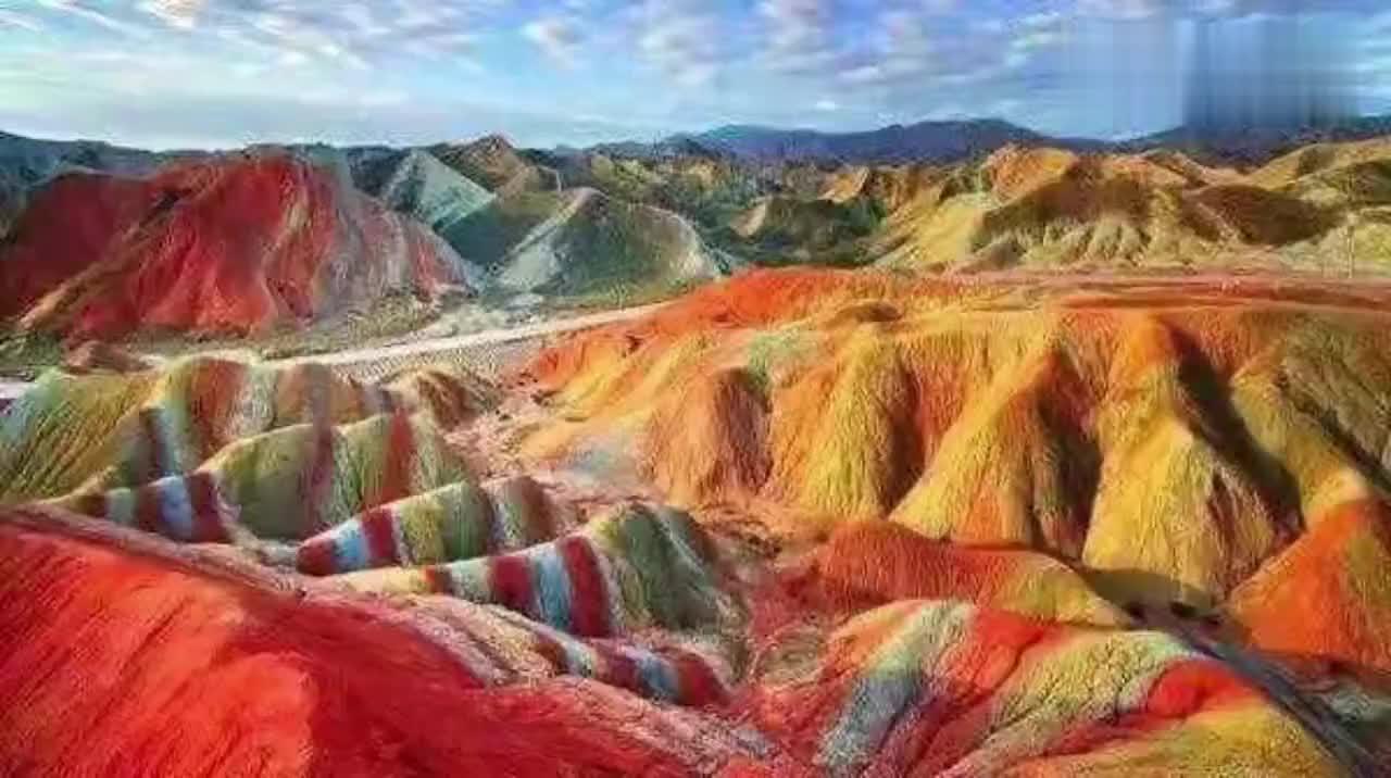 大自然的鬼斧神工,甘肃张掖七彩丹霞,油画级自然风景。超级美