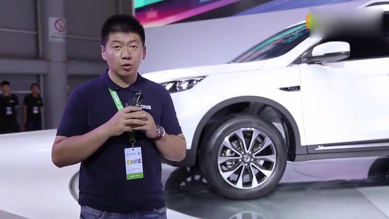 视频:车展解读东风风度MX5 中控内饰和乘坐感受都有了很大提升