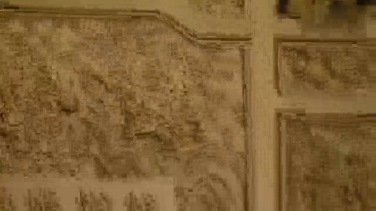 乾清宫内,几个外国臣子给雍正皇帝花塑像