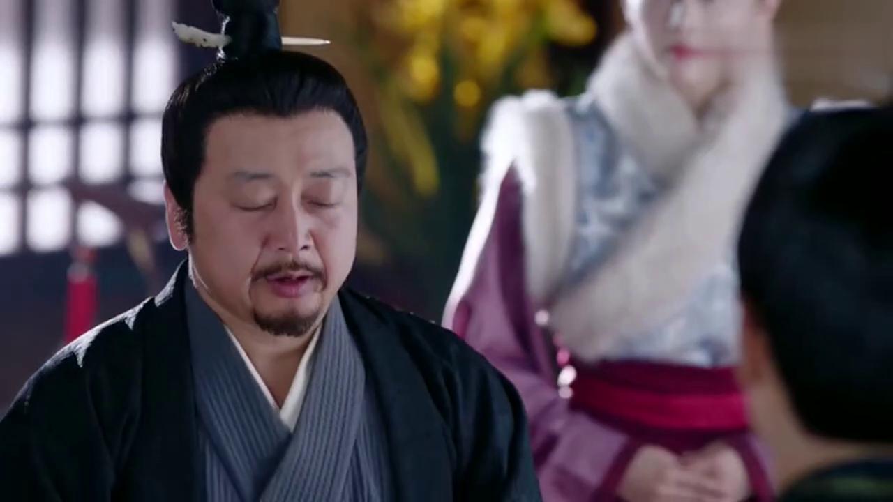 杨坚看到曼陀的惨象心疼不已,却不知道这是她的阴谋